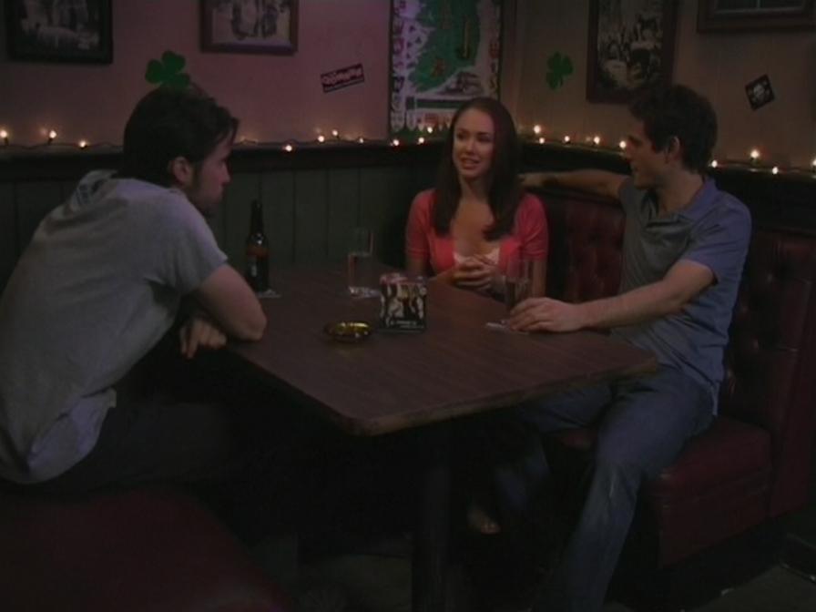 1x6 Mac Dennis woo Rebecca.png