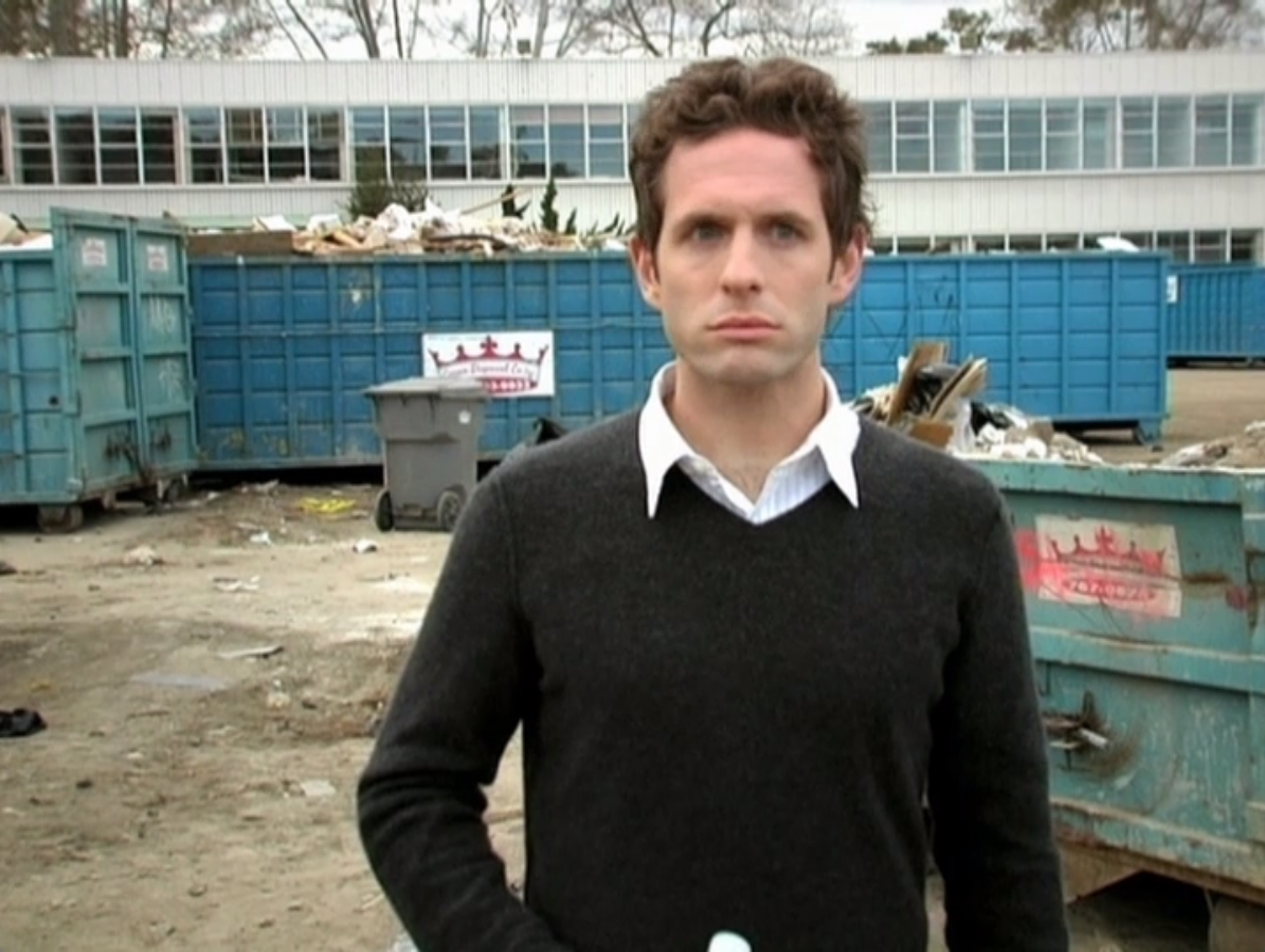 3x01 The Gang Finds a Dumpster Baby 05.png