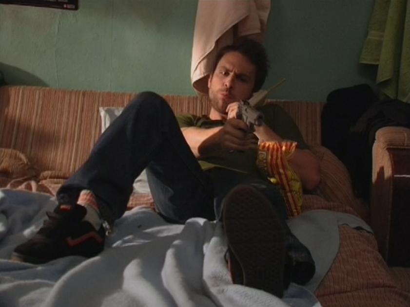 1x5 Charlie gun 2.png
