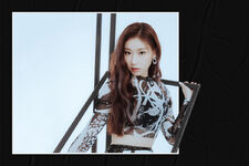 IT'z ME Chaeryeong promotional 1