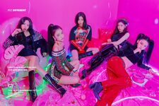 ITZY ITZ Different Promotional Picture Group 1