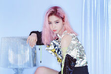 ITZY IT'z ICY Ryujin Promotional Picture (2)