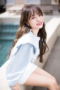 Naver x Dispatch Yuri 4