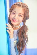 COLORIZ Photobook Color Ver Wonyoung 4