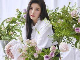 COLORIZ Photobook Rose Ver Eunbi 2