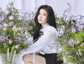 COLORIZ Photobook Rose Ver Eunbi 3