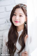 Naver x Dispatch Maknae Wonyoung 9