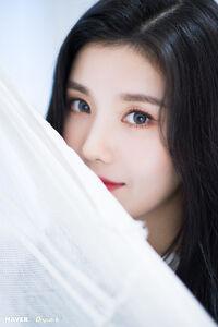 Eunbi Naver x Dispatch 2018 5
