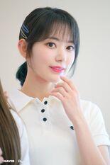 Naver x Dispatch 2020 Sakura 3