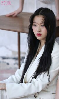 Wonyoung Marie Claire Behind7