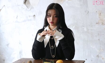 Wonyoung Marie Claire Behind2