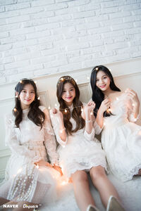 Naver x Dispatch Wonyoung with Umji and Arin 10