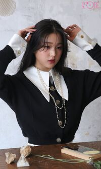 Wonyoung Marie Claire Behind4