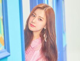 COLORIZ Photobook Color Ver Hyewon 6