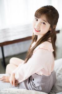 Naver x Dispatch Hitomi 1