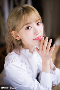 Naver x Dispatch Sakura 4