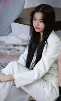 Wonyoung Marie Claire Behind8