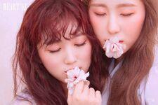 Chaeyeon & Nako HEART*IZ Violeta ver