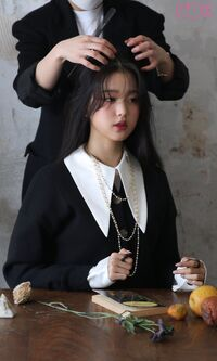 Wonyoung Marie Claire Behind3