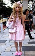 Hime-gyaru-pink-bow-dress