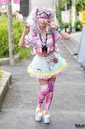 Harajuku-Decora-Fashion-Walk-15-026-300x450