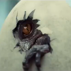 Indominus-Rex-hatching-from-egg-in-new-Jurassic-World-TV-promo.png