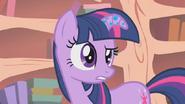 640px-Twilight Fluttershy not going tell S1E09