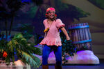 Izzy-Disney-Junior-Live-Pirate-and-Princess-Adventure03