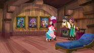 Hook&crew-Captain Hook's Parrot01