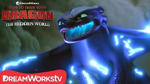 HOW TO TRAIN YOUR DRAGON THE HIDDEN WORLD Toothless Powers Up