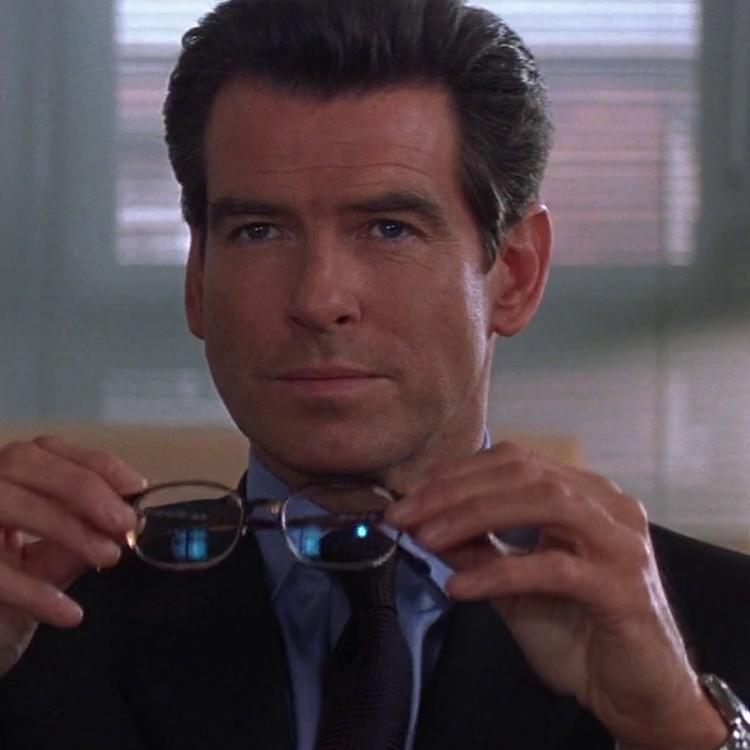 James Bond (Pierce Brosnan)