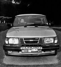 Gardner and Saab 900 Turbo.jpg