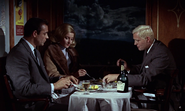 Tatiana et James dînant avec Grant