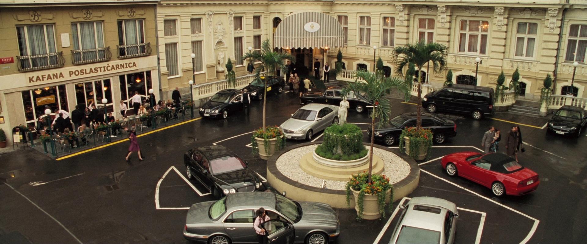 Montenegro le casino royale crown casino texas holdem poker rules