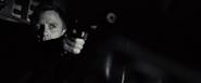 James Bond tuant Dryden