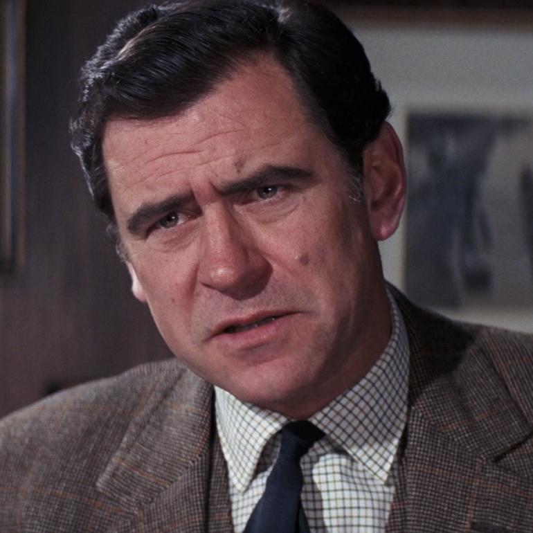 Hilary Bray (George Baker)