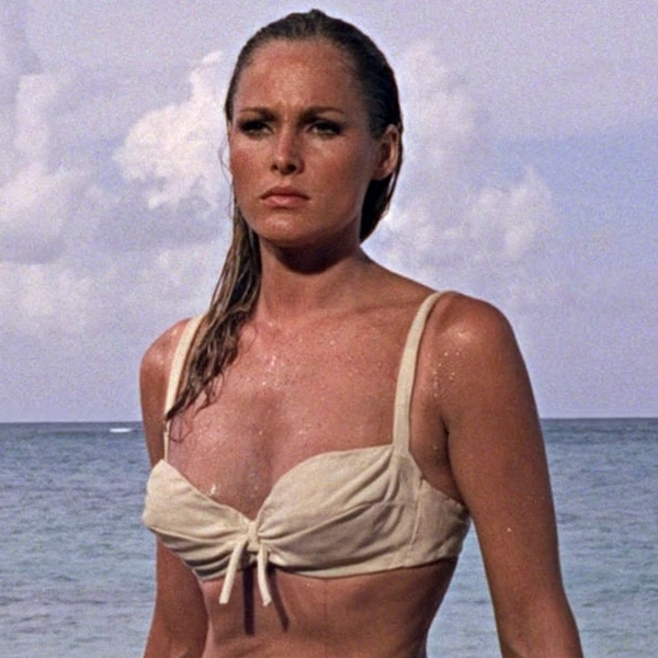 Honey Ryder (Ursula Andress)