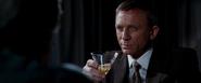James Bond le familier