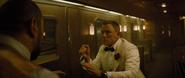James Bond contre M. Hinx