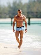 James Bond (CR) (image promotionnelle 2)