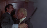 James Bond contre Donald Grant