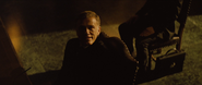 Blofeld parlant à Bond