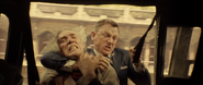 James Bond contre Marco Sciarra