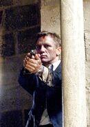 James Bond (QoS) (image promotionnelle 2)