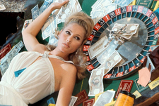 Ursula Andress Casino Royale Table (1967).png