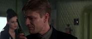 Alec donnant des ordres à Ourumov