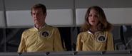 Holly, Bond et le lancement de la sphère