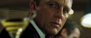 James Bond empoisonné