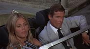 Mary et Bond devant le Peninsula Hotel