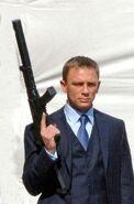 James Bond (CR) (image promotionnelle 4)